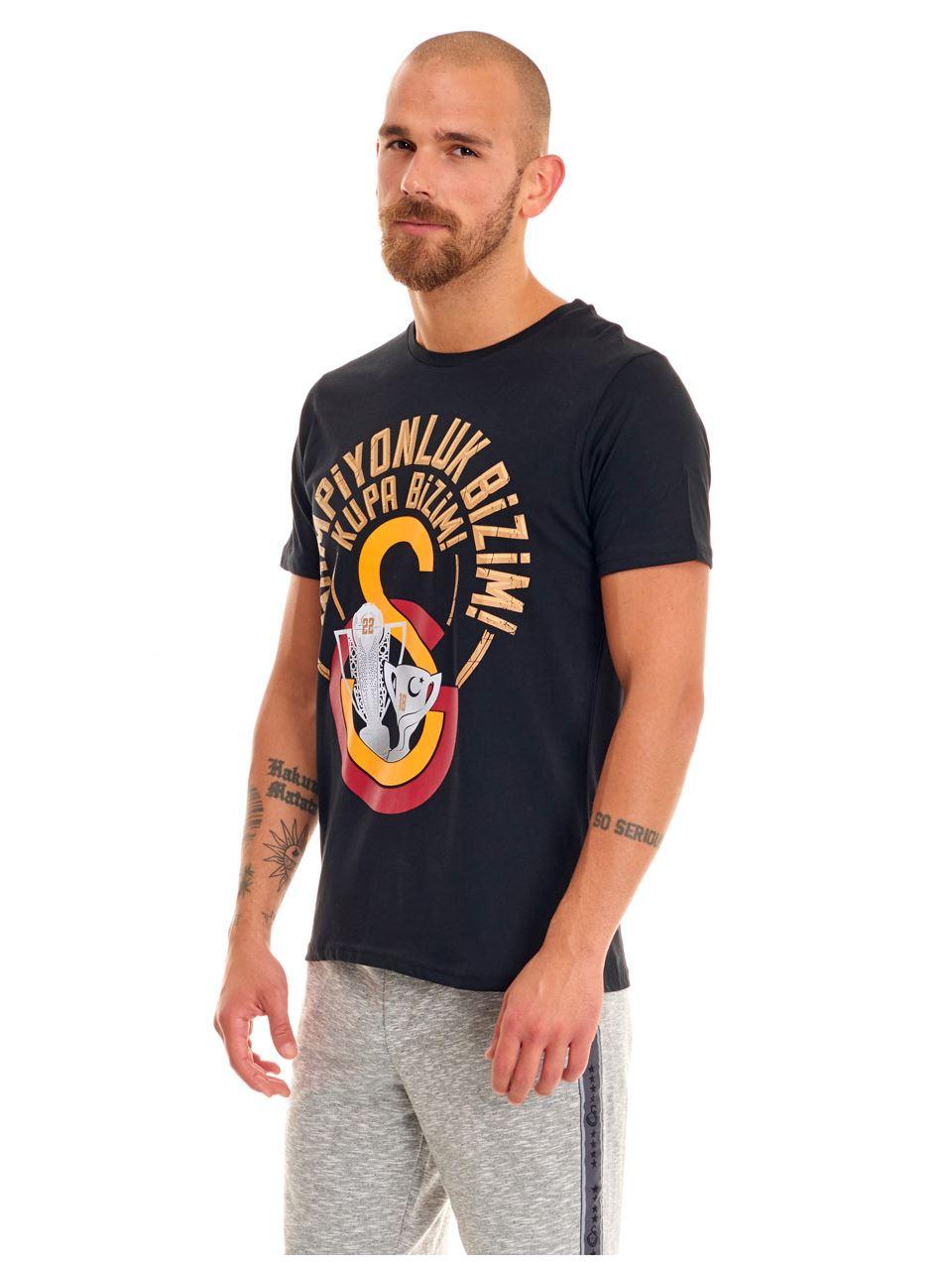 Galatasaray Şampiyonluk Bizim! Kupa Bizim! Erkek T-shirt E191278